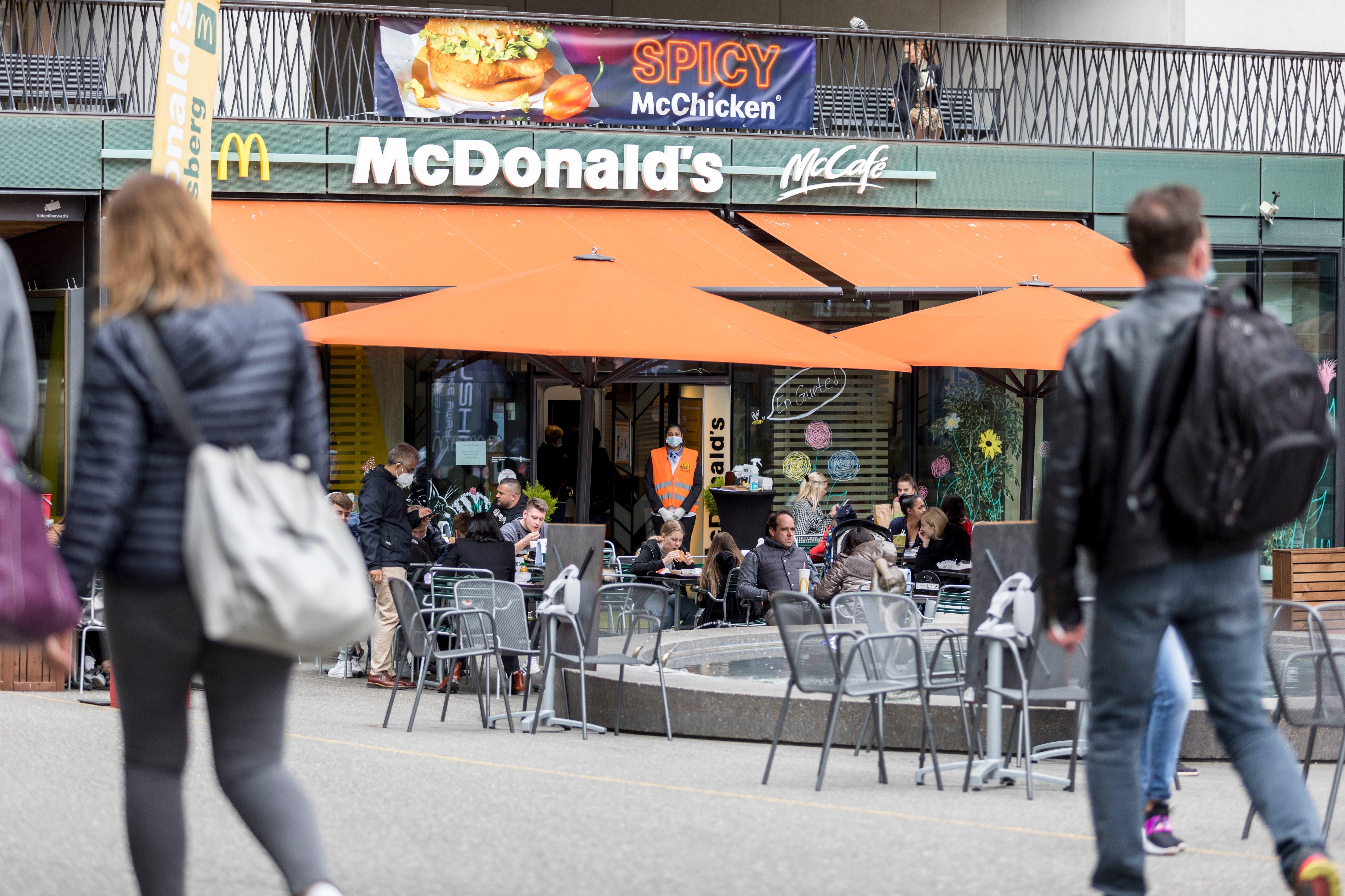 Beim McDonald's am Schlossbergplatz sind die Plätze gut belegt.