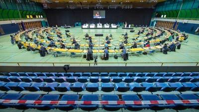 Der Luzerner Kantonsrat tagt zurzeit wegen der Pandemie in der Surseer Stadthalle. (Bild: Pius Amrein  (25. Januar 2021))
