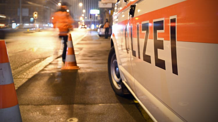 Zwei Männer fahren vor der Kontrolle davon – Polizei sucht Zeugen