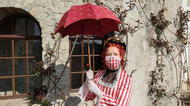 Stilecht auf der Lenzburg: Kuratorin Lea Schieback als Lady Mildred. (Valérie Jost)