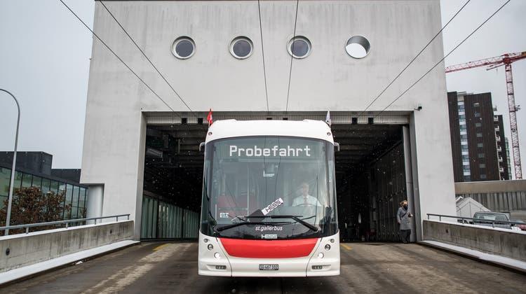 Die Flottenerneuerung durchBatterietrolleybusseder VBSG geht in die zweite Etappe. (Bild: Michel Canonica)
