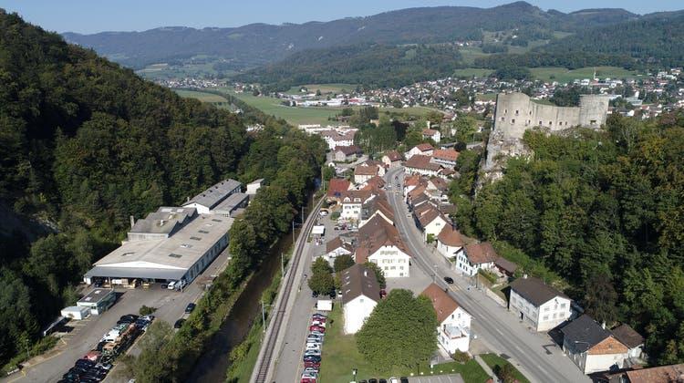 Verkehrsanbindung Thal Verkehrsentlastung Klus Klus-Balsthal - mit  Alt-Falkenstein Thalkreisel Thalbrücke Verkehr Strassenverkehr Stau Autos (Bruno Kissling)