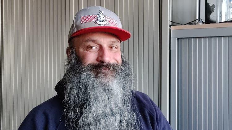 Ivan Della Morte aus Brugg lebt in Amsterdam West und betreibt einen Onlineshop für Bartpflegeprodukte. (zvg)
