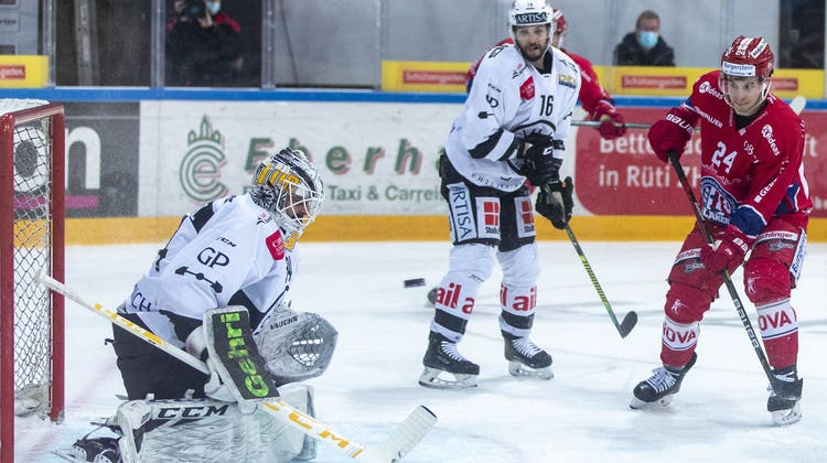 HC-Lugano-Torhüter Niklas Schlegel ist statistisch der schwächste Torhüter in den bisherigen Playoffs. (Bild: Patrick Kraemer / Keystone (Rapperswil, 19. April 2021))