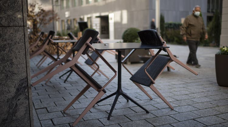 Auch in Vaduz dürfen ab kommenden Montag die Restaurants auf ihren Terrassen wieder Gäste bedienen. (Symbolbild) (Keystone)