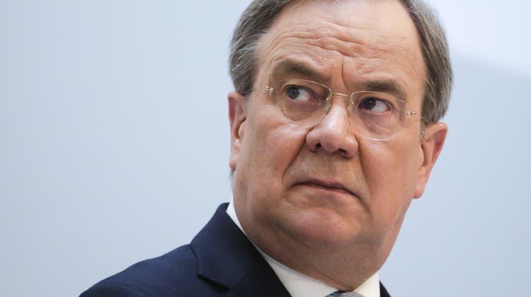 Schwacher Kandidat: CDU-Chef Armin Laschet hat sich gegen Markus Söder durchgesetzt - beim Volk kommt er allerdings nicht gut an. (Markus Schreiber / AP)
