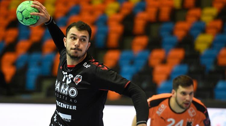 Nach 188 Toren in 44 NLA-Einsätzen ist für den Portugiesen Diogo Oliveira das Kapitel HSC Suhr Aarau bald beendet. (Alexander Wagner)