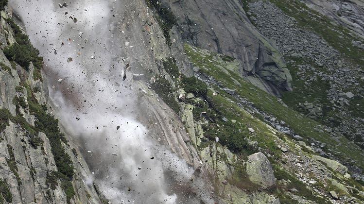 Die Berggebiete bekommen den Klimawandel in Form von stärkeren und häufigeren Naturereignissen besonders stark zu spüren. (HO/Kapo Bern)