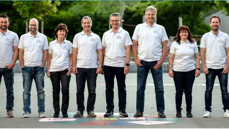 Das OK vom Dorffest Staffelbach, das ursrünglich am Wochenende vom 20. - 23. Mai 2020 stattgefunden hätte. (Zvg / Aargauer Zeitung)