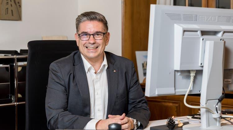 Markus Schneider in seinem Büro im Rathaus. (Sandra Ardizzone / BAD)