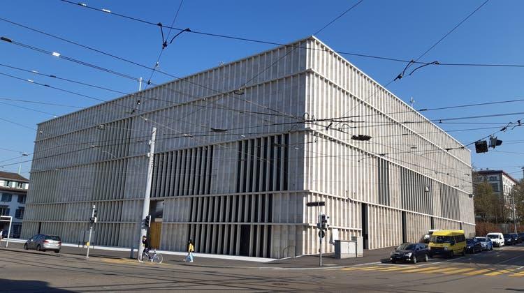 Der Kunsthaus-Erweiterungsbau lässt sich als Symbol für die aktuelle Stadtentwicklung verstehen. (Matthias Scharrer)