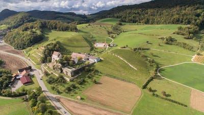 Das Schenkenbergertal mit dem Schloss Kasteln bietet eine einmalige Kulisse für den Buurelandweg. (Bild: zvg/Philipp Schuppli)
