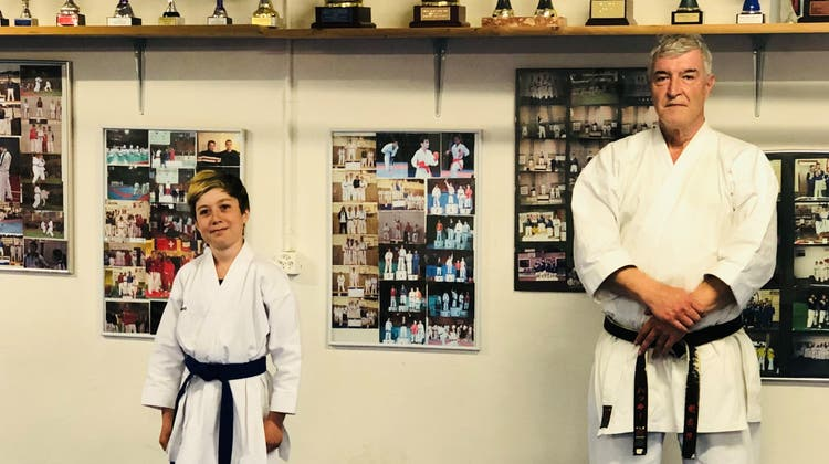 Jungtalent Ramón Limacher undSensei/Stützpunkttrainer Hakki Güldür sind bereit. Im letzten Jahr mussten sie aber oft auf Videotraining über Zoom ausweichen. (Bild: zvg)