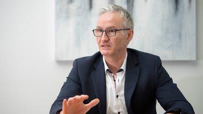 Der Wittenbacher Gemeindepräsident Oliver Gröble freut sich zwar über das Ergebnis, betont aber auch, dass sich in den nächsten Jahren ein anderes Bild zeigen könnte. (Urs Bucher (13. Februar 2020))