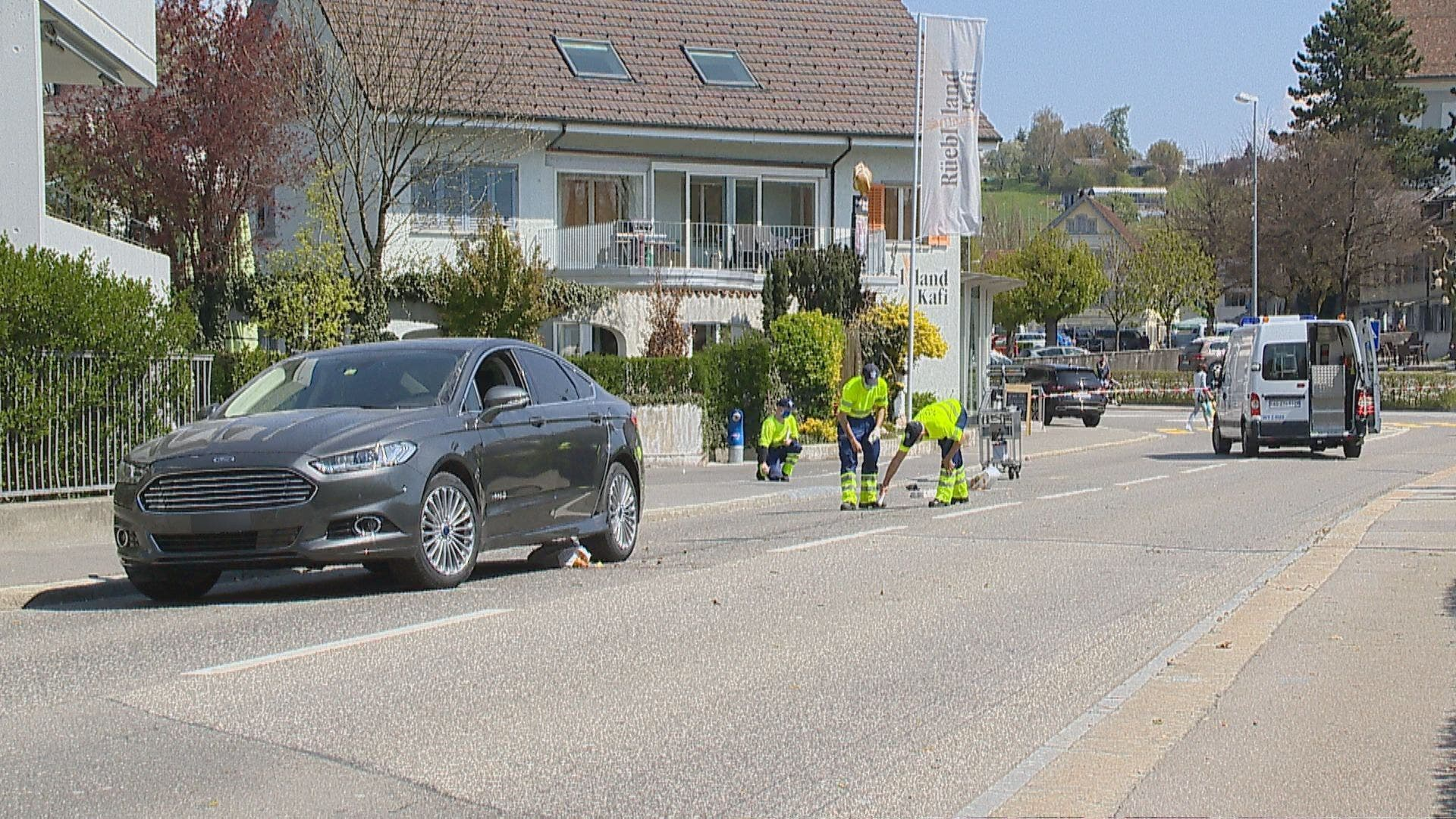 Ein 73-jähriger Autofahrer bog vom Bünzweg in die Bünzstrasse ein.