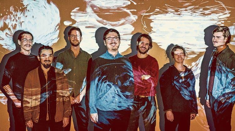 Ein spezieller Ort für spezielle Musik: Demian Coca (Mitte) ist mit seiner siebenköpfigen Schweizer Band Paykuna von bolivianischer Musik inspiriert.