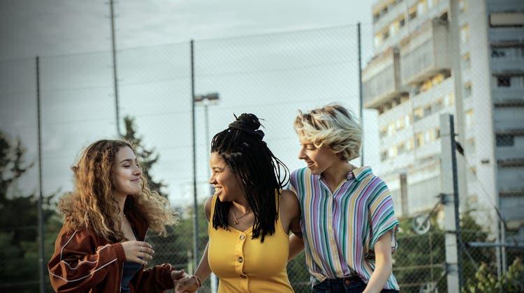 Ihre Freundschaft steht auf der Probe: Sami, Joe und Leyla. (Bild: zvg)