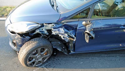 Das eine Unfallauto. (Bild: Luzerner Polizei)