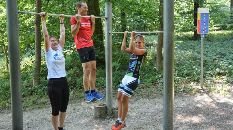 Die Idee der Vitaparcours ist, sich an Stationen im Wald sportlich zu betätigen. (Sarah Kunz / 1. August 2018)