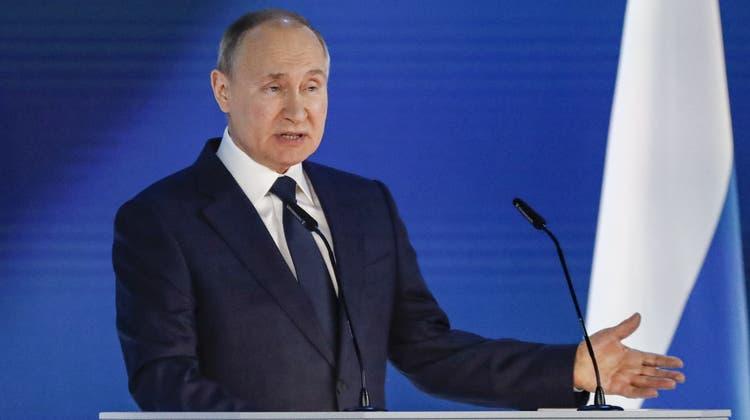 WladimirPutin während seiner Rede an die Nation. (Maxim Shipenkov / EPA)