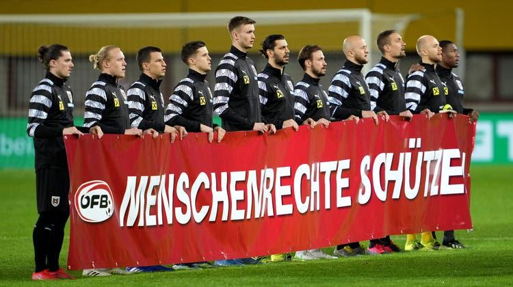 Die Fifa tolerierte die Meinungsäusserung der Fussballer auf dem Spielfeld, das IOChingegen will solche Bilder bei Olympia nicht sehen. (Keystone)