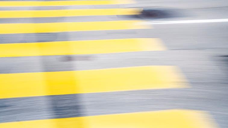 Eine 15-Jährige Fussgängerin wurde in Diessenhofen auf einem Fussgängerstreifen von einem Auto angefahren. (Symbolbild: Andrea Stalder)
