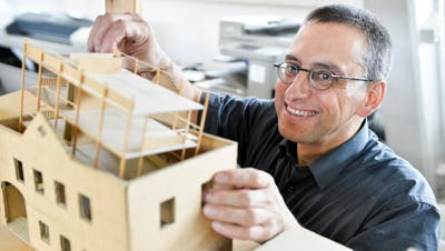 Der neue SIA-Präsident Peter Dransfeld in seinem Architekturbüro in Ermatingen. (Donato Caspari)