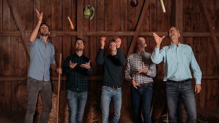 Freude und Nähe an und zu den Lebensmitteln und deren Produzenten, das will JackRipe schaffen. Im Bild die Gründer und Mitarbeiter Tim Müller, Jonas Eichenberger, Simon Thut, Andreas Thut und Thomas Winkler (von links). (zvg)