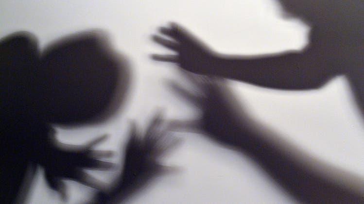 Gestelltes Bild zum Thema häusliche Gewalt. (Symbolbild: Keystone)