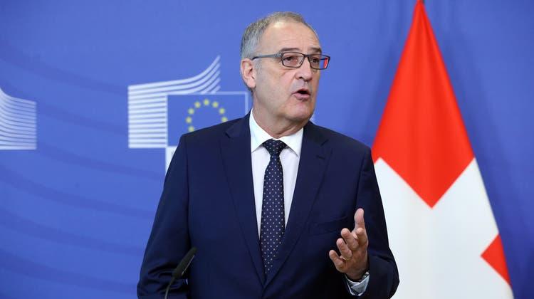 Bundespräsident Guy Parmelin an der Pressekonferenz in Brüssel. (Bild: François Walschaerts/EPA)