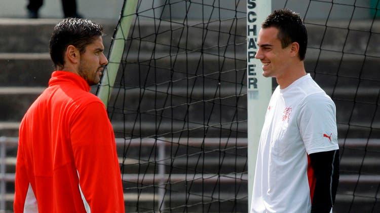 Die beiden Fussball-Torhüter Pascal Zuberbühler (links) und Diego Benaglio - hier während dem EM-Turnier 2008 - sind Botschafter des neuen Netzwerks Sportlifeone. (Keystone)