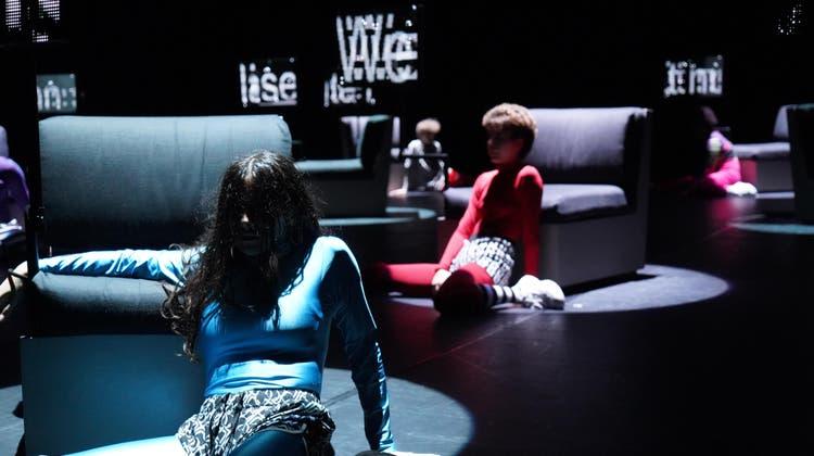 Wie weiter im Leben? Das Junge Theater Basel zeigt«born to shine». (Uwe Heinrich / bz Zeitung für die Region)