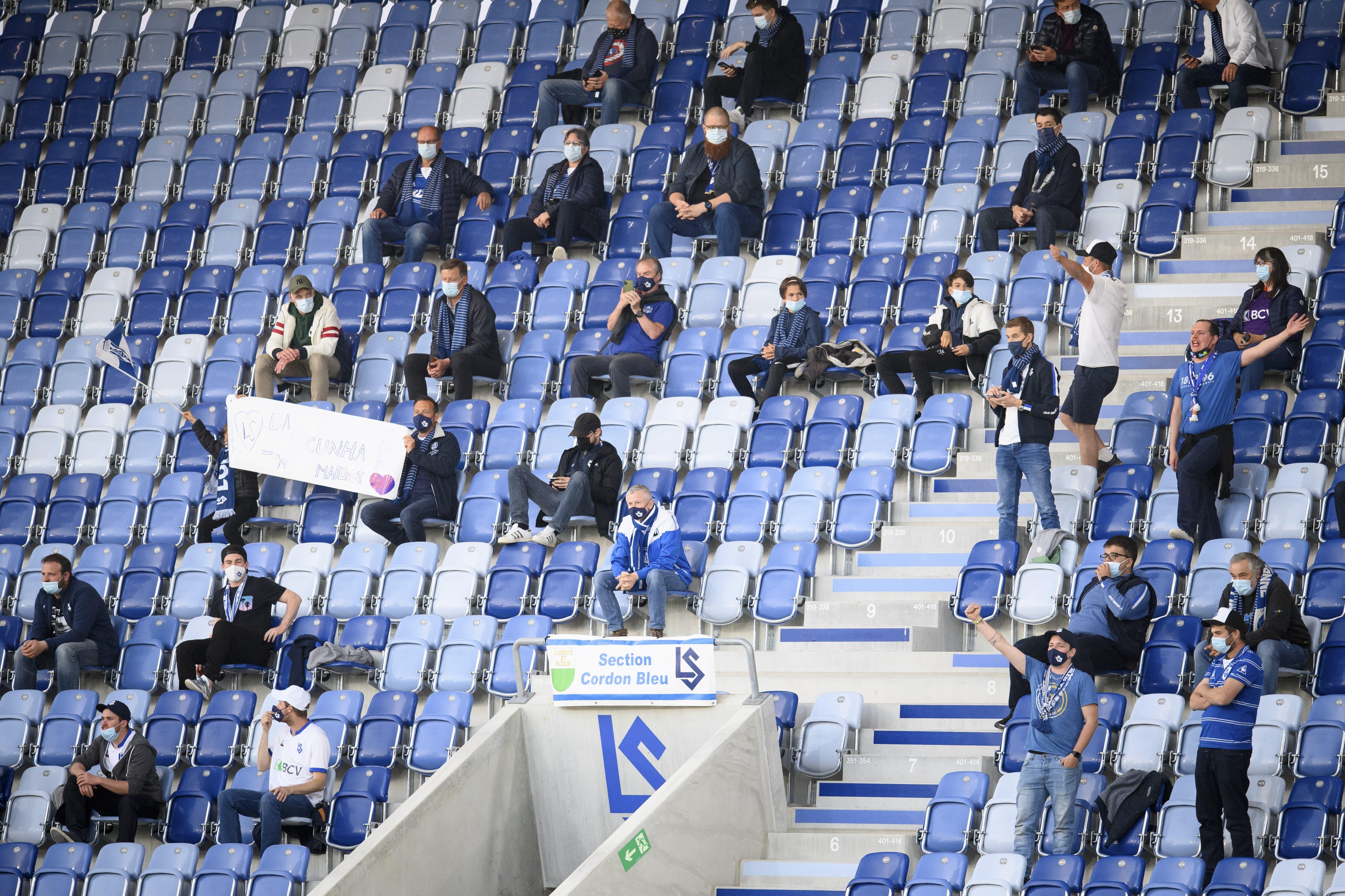 100 Zuschauer sorgten im Stade de la Tuilière für etwas Stimmung. Besonders Valentin Stocker bekam einige Pfiffe zu hören.