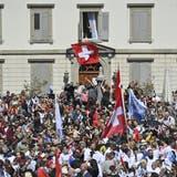 Menschenmenge demonstriert in Rapperswil-Jona. (Bild: Gian Ehrenzeller/ Keystone)