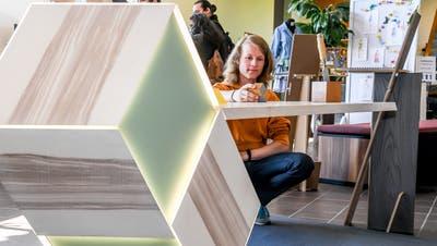 Arian Stalder überzeugte mit seinem LED-beleuchteten Schreibtisch die Jury. (Bild: Nadia Schärli (Hohenrain, 24. April 2021))