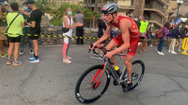 Triathlet Max Studer aus Kestenholz gewinnt den Triathlon in Gran Canaria. (Zvg)