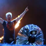 An ihren Konzerten knallt und exlodiert vieles. Scooter-Frontmann H. P. Baxxter. (Keystone)
