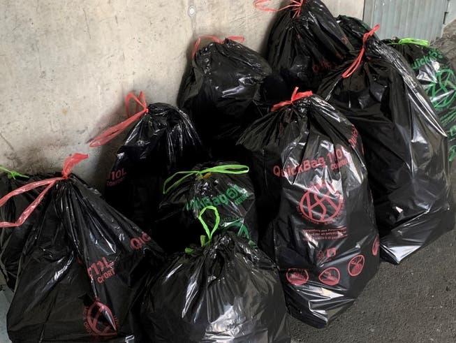 Aufgeräumt wurde auf dem Freudenberg bereits am Sonntagmittag. Dabei wurden elf Kehrichtsäcke mit Abfall gefüllt.