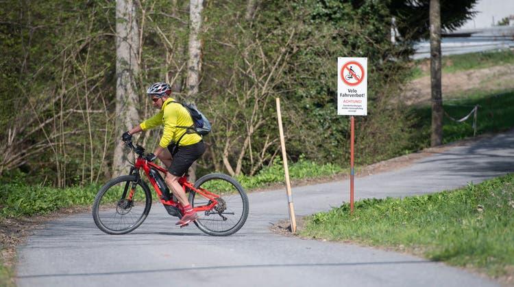 Noch ist der Wildenburg-Trail in Allenwinden gesperrt. (Bild: Maria Schmid (26. April 2021))