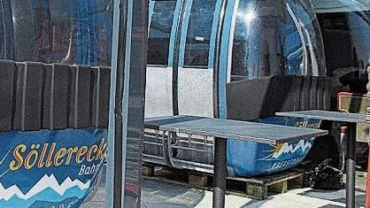 Nun ist die Verwendung der Gondeln des SkigebietsSöllereck klar: Darin soll man baldeinkehren können