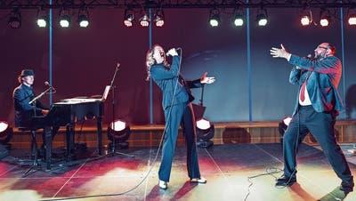 Das Trio Büld, Burckhardt und Storm singt im Kurtheater.