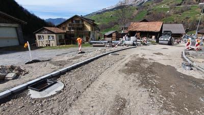 In Unterschächen wird viel Geld in die Sanierung der Gemeindestrassen investiert. (Bild: PD (Unterschächen, 16. April 2020))