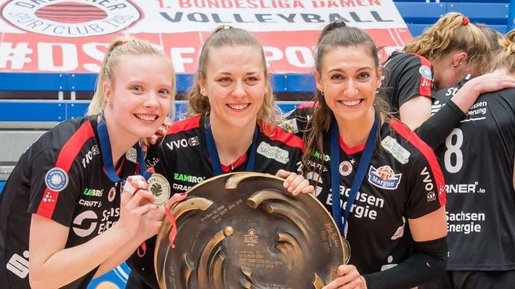 Maja Storck (Mitte) feierte mit Dresden trotz 0:2-Rückstand in der Serie noch den Deutschen Meistertitel. (Instagram)