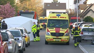 Ambulanz und Feuerwehr wurden vorsorglich aufgeboten, es gab jedoch keine Verletzten. (Screenshot Tele M1)