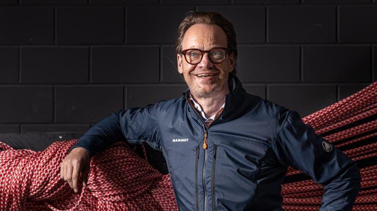 Mammut-CEO Oliver Pabst posiert am Firmensitz in Seon vor Mammut-Seilen. Er sagt: «Bei uns ist das Wort Fashion verboten. Wir sind ein Outdoor-Unternehmen, kein Modehaus.» (Chris Iseli)