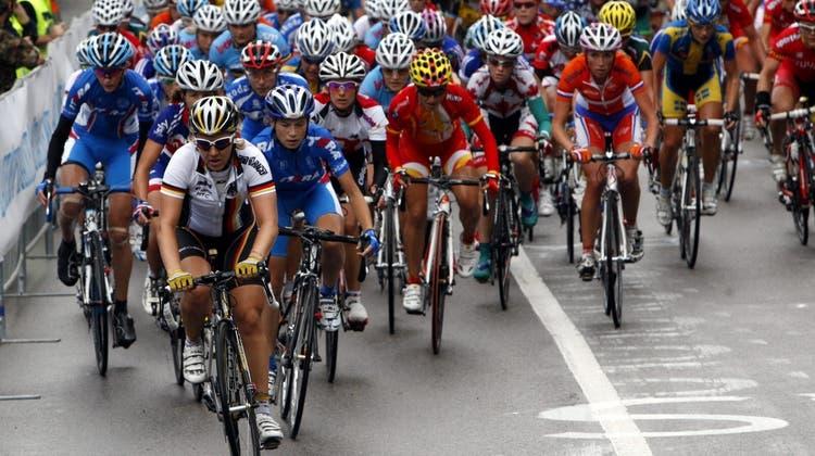 Eine Tour de Suisse ist die nächste Etappe in Richtung Gleichberechtigung der Frauen im Radsport. (Keystone)