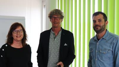 Yvonne Berglund, Pro Senectute Aargau, Jürg Baur (Mitte), Stadtrat Brugg, und Raphael Zumsteg, Mitgründer von «Brugg hilft – jetzt». (Bild: Maja Reznicek)