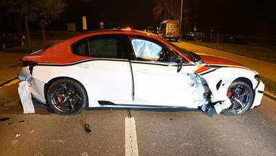 Das total beschädigte Unfallfahrzeug. (Bild: Luzerner Polizei)