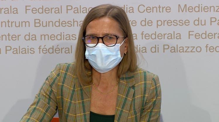 Virginie Masserey, Leiterin der Sektion Infektionskontrolle im BAG, informierte am Dienstag in Bern über die aktuelle Situation. (Archivbild) (Keystone)