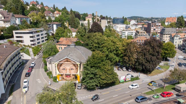 In den vergangenen Jahren hat der alte Tempel an der Böcklinstrasse 2 vor allem durch das Graffitti eines Frauengesichts von sich reden gemacht. Jetzt sind seine Tage gezählt.